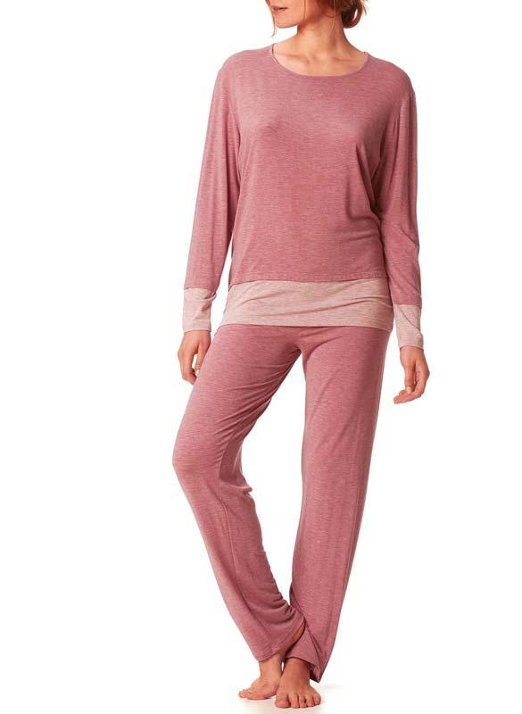 Model wearing MEY Nachtschlafanzug Kelly Damen