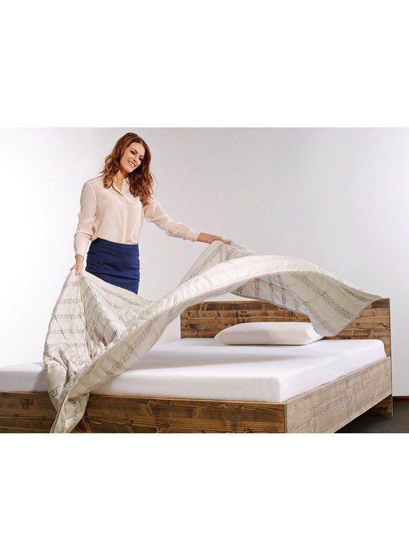 HEFEL EasyGoing ist Bettdecke und Bettwäsche in einem, in attraktivem Dessin und moderner Farbstellung, mit bester Füllqualität (100% TENCEL™ Lyocell Füllfaser) und feinem Satingewebe aus feinsterTENCEL™ Holzfaser