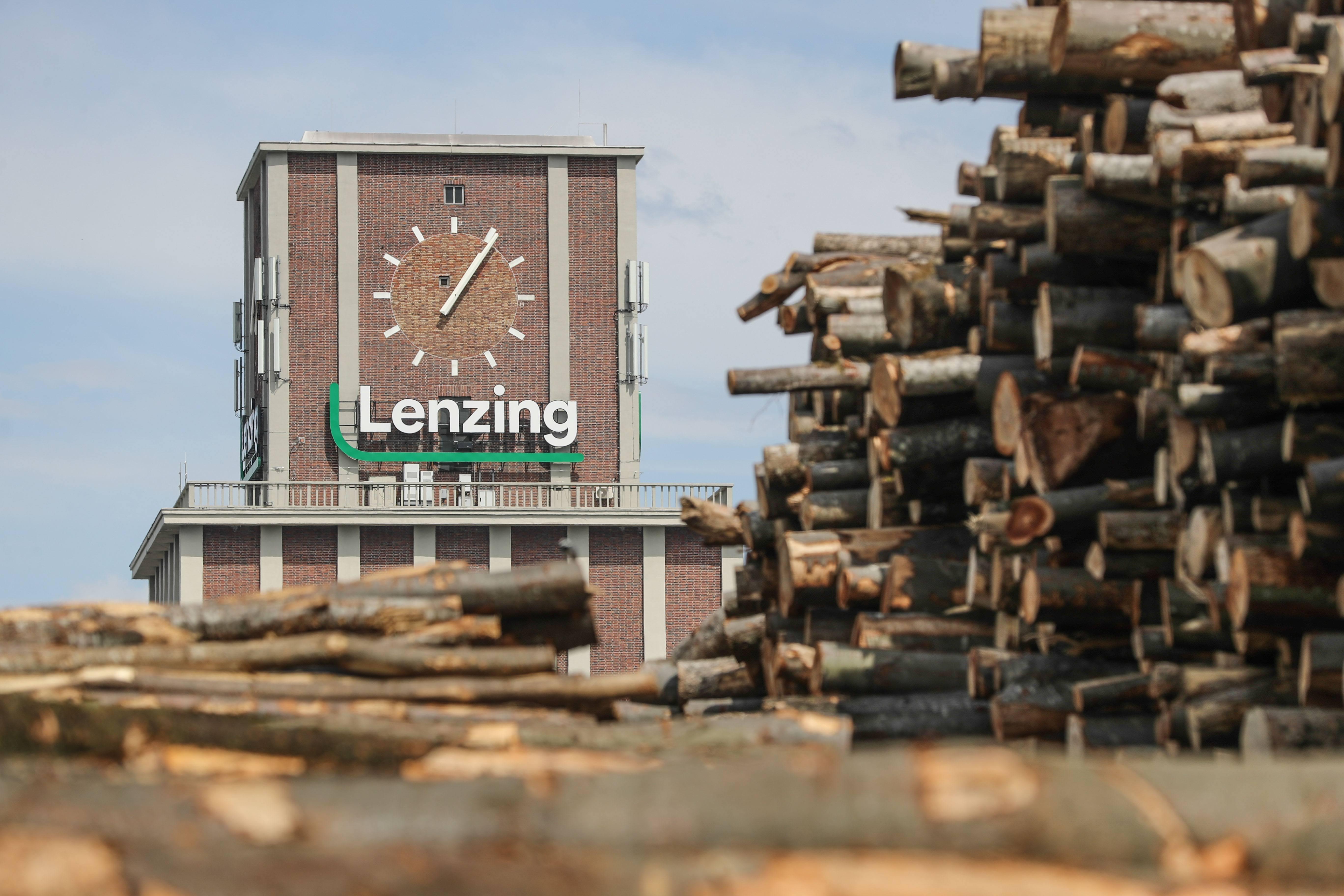 Lenzing Holzplatz Österreich - nachhaltige Holzbeschaffung Buche